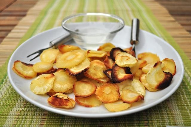 parsnip chipsRecipe Pinterest, Pinterest Recipe, Vegan Recipe, Parsnip Chips, Healthy Recipe, Beets Chips, Crispy Parsnip, Recipe Boards, Pinterest Boards