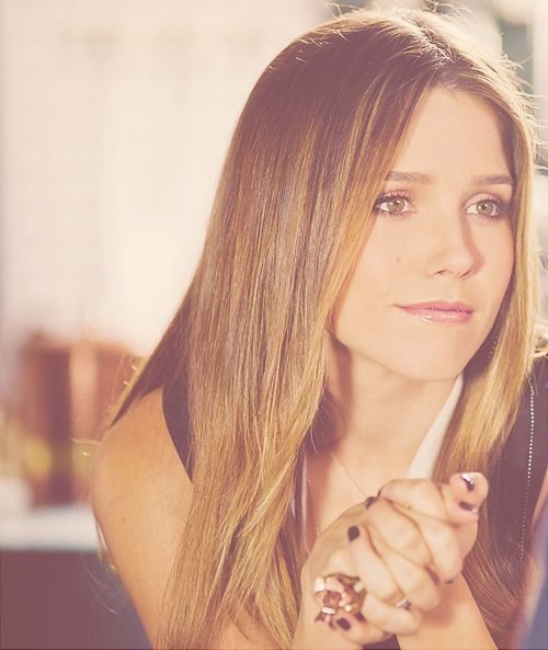 Sophia Bush. Love the hair