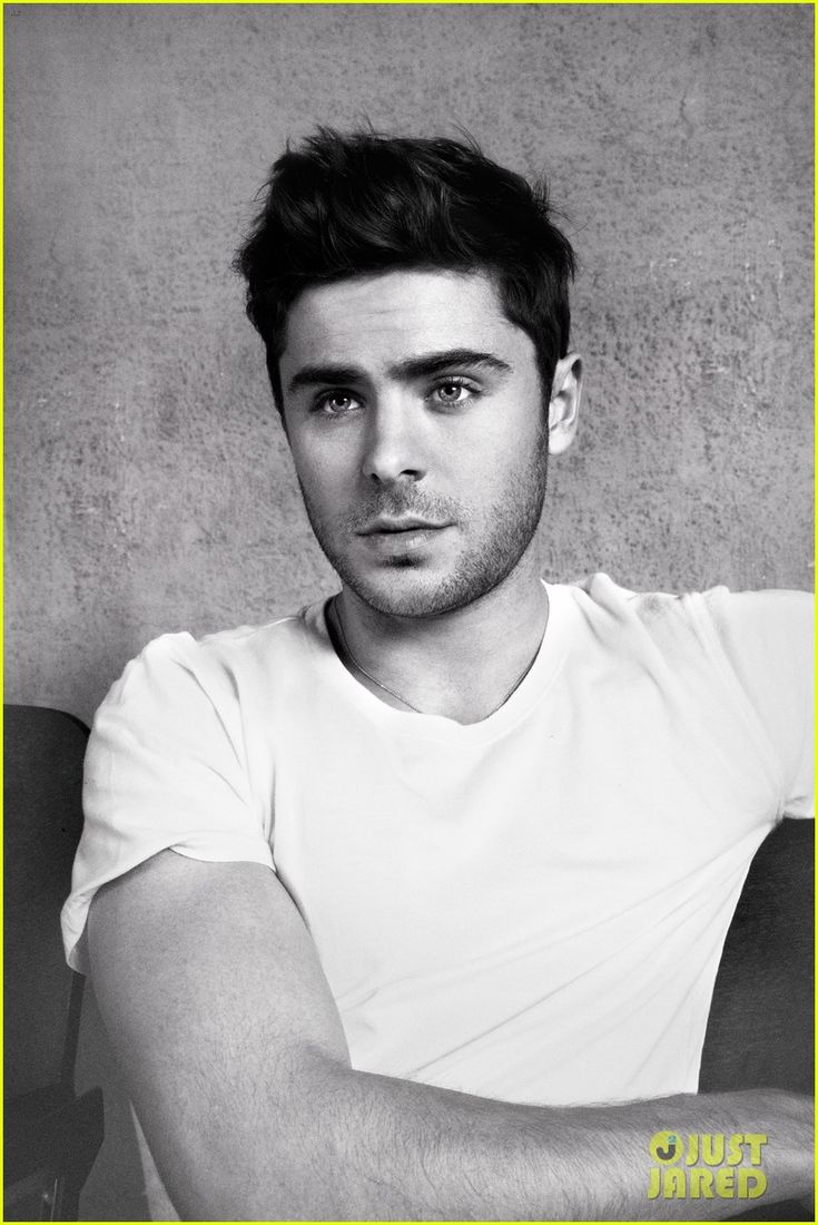 Zac Efron Covers 'Flaunt' Magazine'