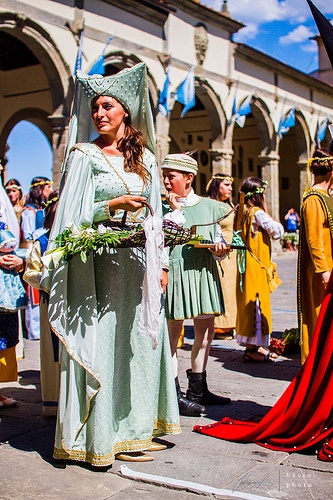 Lady in medieval costume. Taken in Castiglione Fiorentino, Italy      baotloi.tumblr.com  http://baoloi.500px.com/#/0   http://www.flickr.com/photos/baotloi/   https://www.facebook.com/BaoLoiPhoto