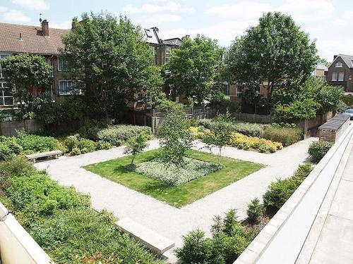 Clapham Junction, Modern 2 Bedroom Flat for Rent in the Trinity Complex « Flats and apartments to rent Over  - Loot.com