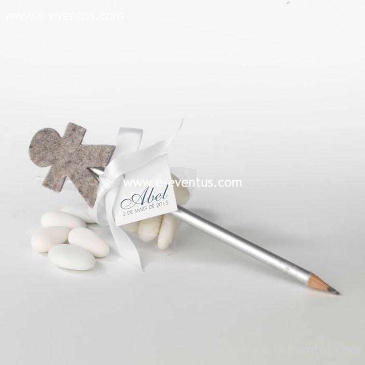 descripciodetalles · bautizo · personalizados ·  detalls · bateig · barcelona · tienda de detalles de bautizo · botiga detalls bateig · lápiz · llufa · niño · niña · fieltro · gris · tul · plata · colores · personalizado · diseño · lazo · blanco · nombre · logo · grabado · a tu gusto