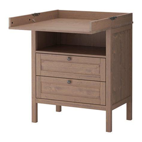 IKEA - SUNDVIK, Table à langer/commode, , Cette table à langer vous servira longtemps puisque vous pourrez l'utiliser comme commode une fois que votre enfant aura passé l'âge des couches.Hauteur confortable pour changer votre enfant.Espace de rangement pratique à portée de main qui vous permet de toujours garder une main sur votre bébé.Tiroir équipé d'arrêt pour éviter qu'il ne sorte complètement et tombe sur les pieds.