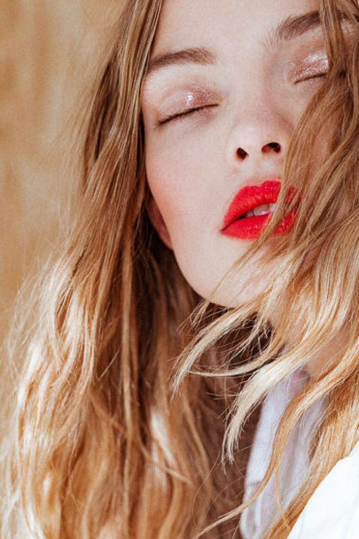 Blondes with red lipstick