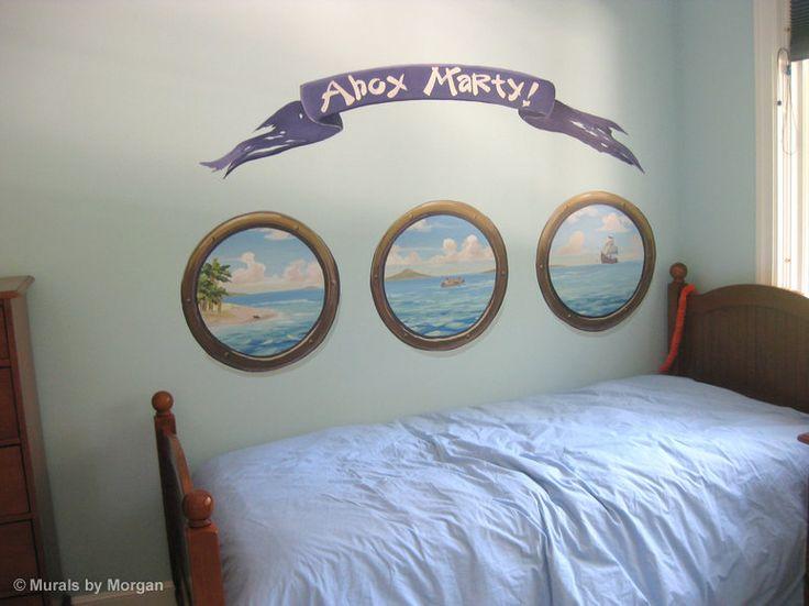 Leuk idee! Muurschildering van patrijspoorten voor een echte piratenkamer!