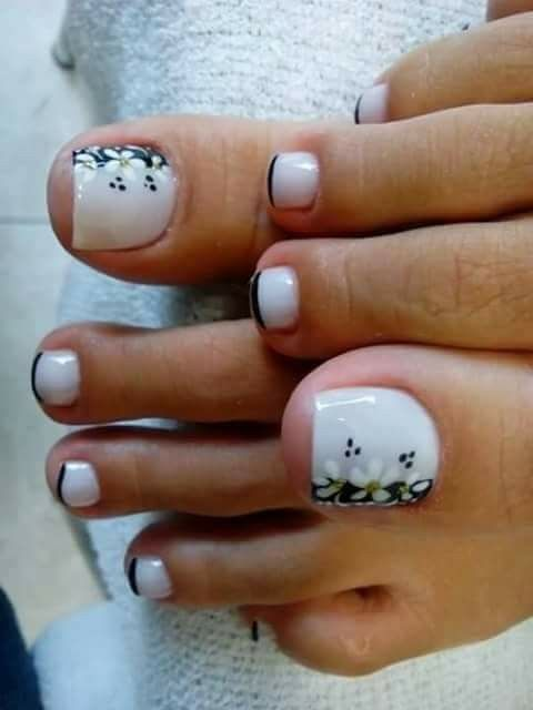 I don't know if I'd do the black tips, but the big toe is adorable
