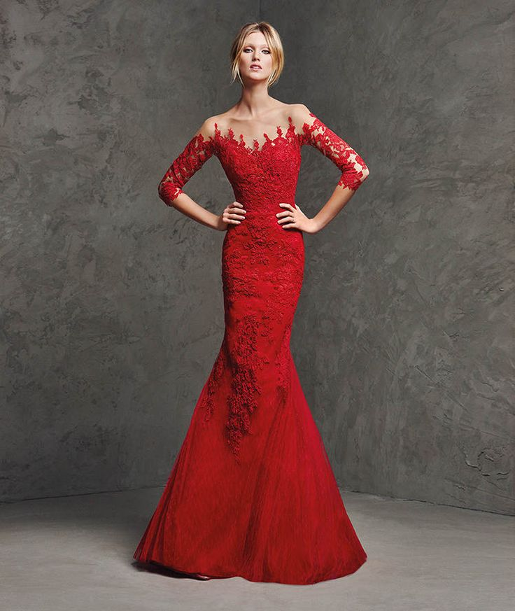 LAVERNE- Tulle and lace mermaid dress. Sheer overbodice and sleeves decorated with appliqués front and back.