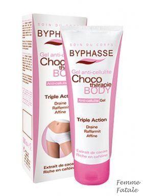 BYPHASSE Gel αδυνατίσματος  200 Ml με εκχύλισμα κακάο, ένα φυσικό συστατικό πλούσιο σε καφεΐνη και θειοβρομίνη. Τα συγκεκριμένα ενεργά συστατικά μειώνουν δραστικά την εμφάνιση της κυτταρίτιδας καταπολεμώντας την συσσώρευση του λίπους στην επιδερμίδα. Έρχεται σε μορφή gel, που απορροφάται ευκολότερα χωρίς να αφήνει λιπαρότητα στο δέρμα. Χρήση: Εφαρμόστε πρωί και βράδυ στις περιοχές όπου υπάρχει πρόβλημα κάνοντας μασάζ με κυκλικές κινήσεις για λίγα λεπτά. Οι τιμές περιλαμβάνουν ΦΠΑ. Τιμή €7,90
