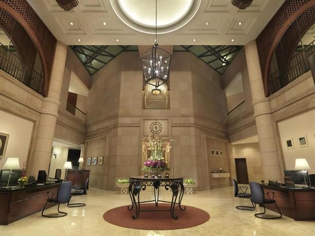 OopsnewsHotels - Ambassador Row Hotel Suites by Lanson Place