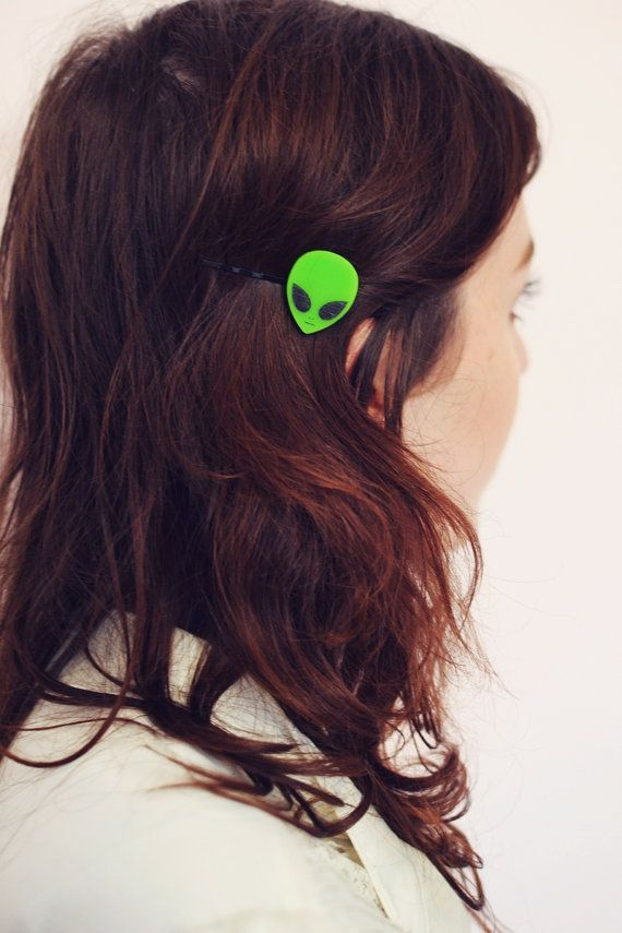 Aliens Exist Bobby Pin Hair Clip, 90s Alien Face, Green Alien, 90s Alien Accessory, X Files, UFOs, Outer Space Hair Clip, Alien Face Hair