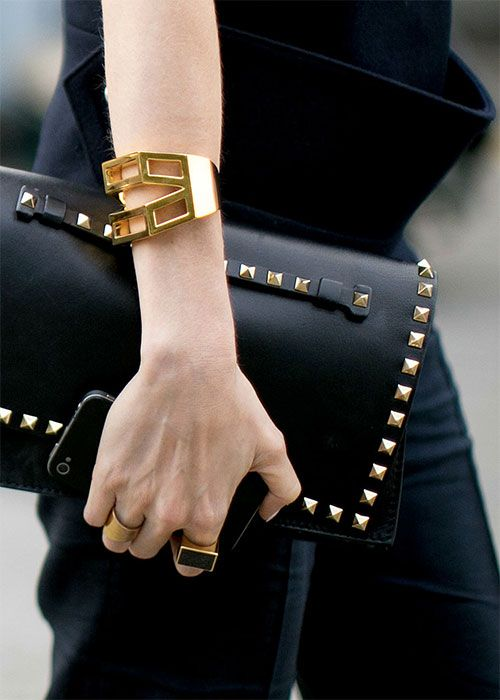 ~obsessed with this valentino rockstud clutch~