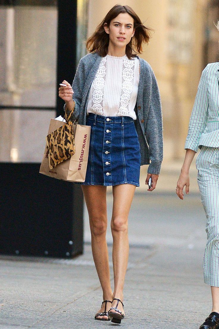 Sí, es posible llevar bien la minifalda vaquera © Gtresonline / Cordon