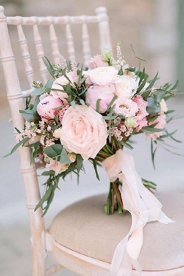 blush roses et bouquet de mariée ruban #wedidng #weddingideas #weddingcolor … – Wedding ceremony Inspiration