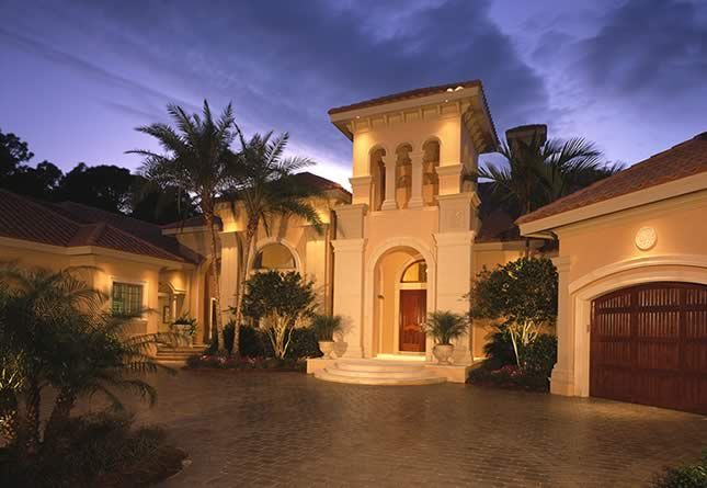 Luxury homes in Florida are an ideal solution if you are searching for a house that has lot of space. Description from polyfencingclub.com. I searched for this on bing.com/images