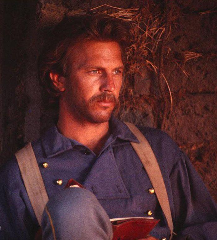 """Kevin Costner en""""Bailando con Lobos"""" (Dance with Wolves), 1990"""