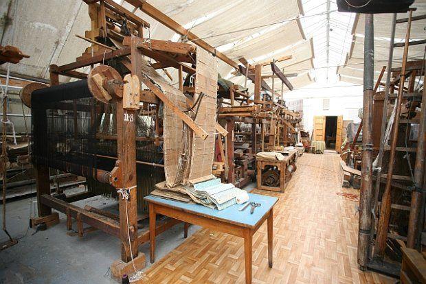 Zdjęcie nr 2 w galerii - Zabytkowa tkalnia w Łazienkach czeka na ratunek