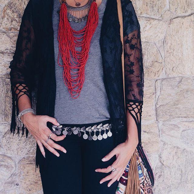Cigana 💃  .  .  .  #gypsy #boho #bohostyle #bohochic #hippie #ootd #fashion #fashiondiaries #lookdodia #kimono #hippiechic #hippiestyle