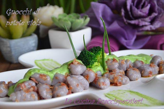 Gnocchi di patate viola con pancetta croccante e crema ai broccoli | Cucina Scacciapensieri