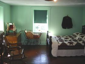 A Bedroom In An Amish Farm House Alot Of Communities Green Pull Down Shades Are Allowed And Used Home Inside Sarahs Country Kitchen