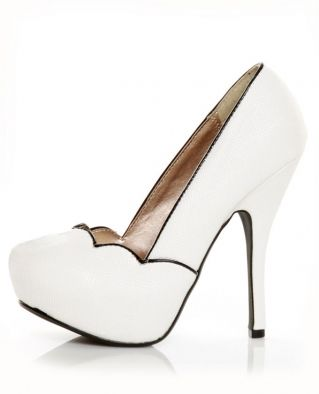 All I want for Christmas is these amazing heels!!!