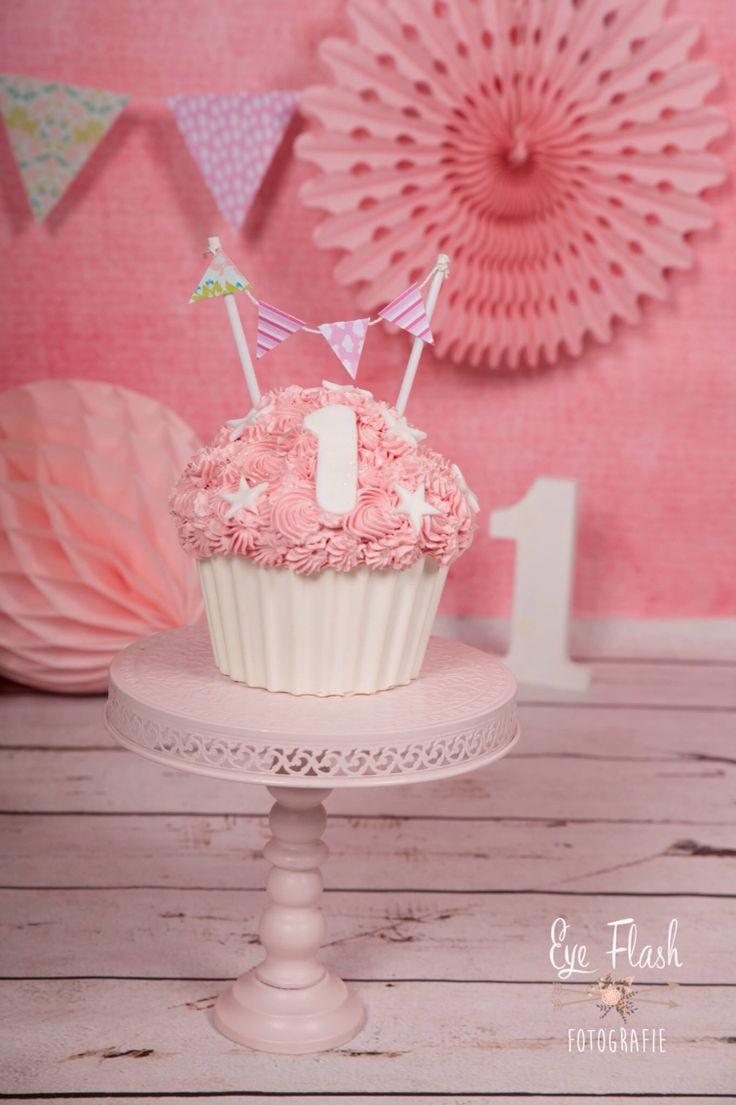 #smash taart #taart #cakesmash #1jaar #fotografie #fotoshoot