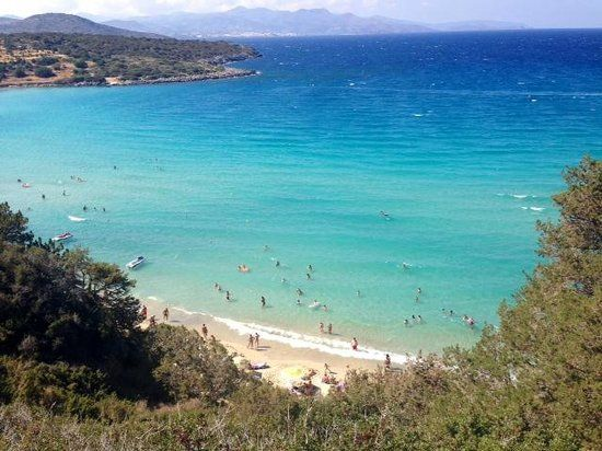 Voulisma beach with waves