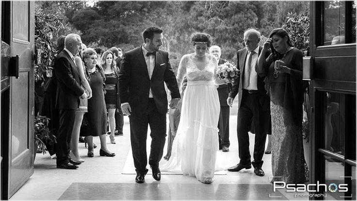 Wedding Photography Check My Portfolio at: www.psachos.gr Καλλιτεχνική και επαγγελματική φωτογράφιση του γάμου σας με καλαισθησία και ποιότητα. Μοναδικές Στιγμές για μια Ζωή! -Wedding Photography -Next Day -Life Events