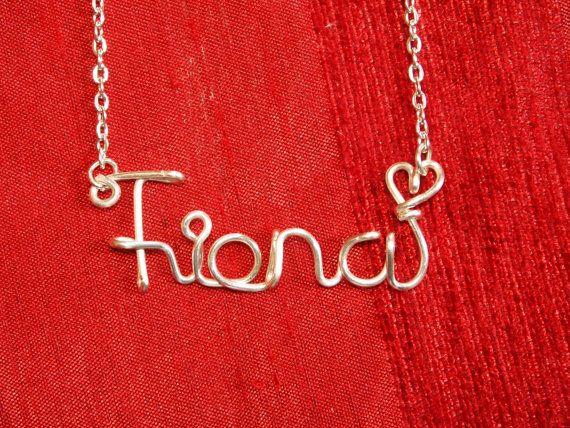 Collana di Fiona collane con nome personalizzato di WireNameART