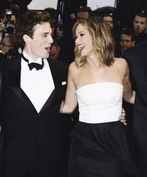 Jennifer and Sam. There's just too much perfection in this picture...!!