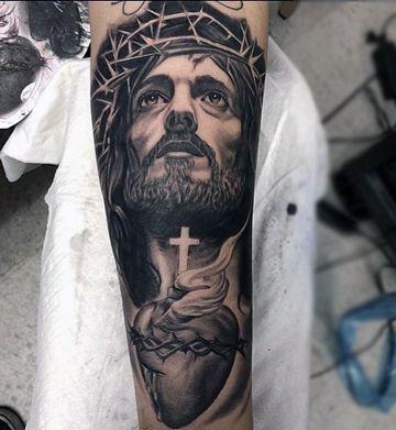 tatuajes del sagrado corazon en brazo