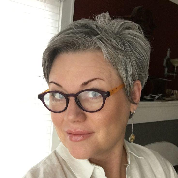 beautiful short gray hairstyles