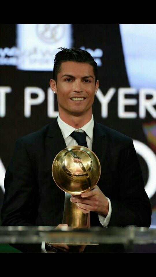 Ronaldo is named best player 2014 and fan's favourite