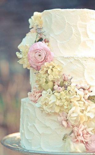 Rustic crinkle wedding cake