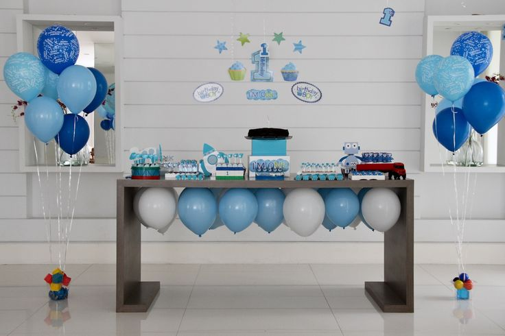 Festa // Decoração // Mesa do Bolo // Simples // Cor: Azul ...