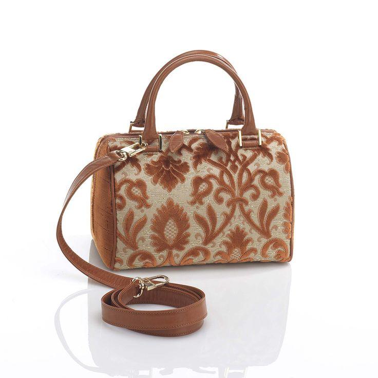 "GONDOLINO handbag, also provided with leather shoulder strap. ""Rinascimento"" velvet aside. Design and concept @ Chiara Pizzinato Atelier"