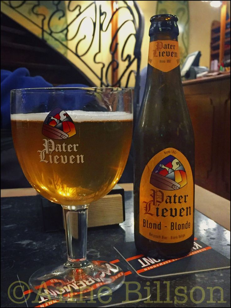 Pater Lieven Blond (6.5%) + the Belgian national flag made out of an arrangement of diaries.