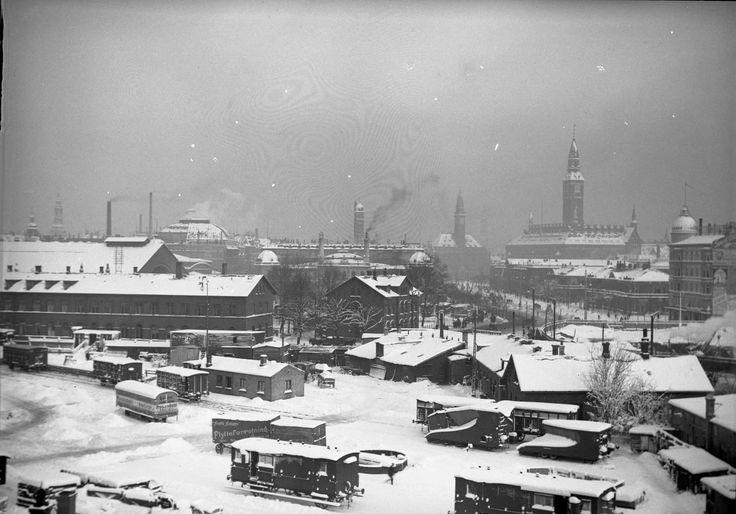 Københavns 2. Banegaard i vinterdragt 1910.