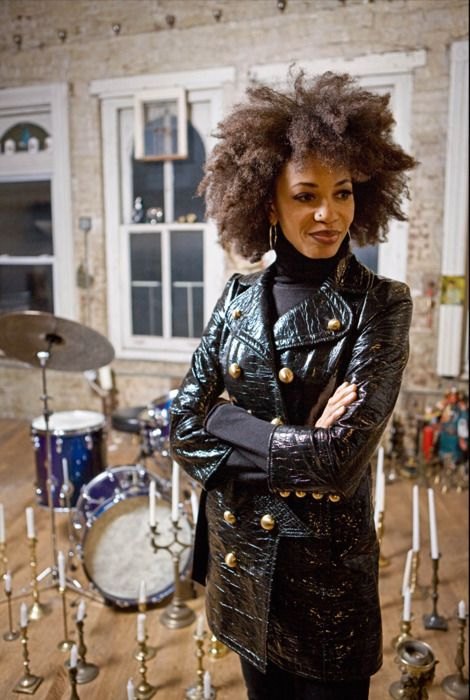 American jazz and rock drummer Cindy Blackman - Also drummer for Lenny Kravitz. Class and cool.