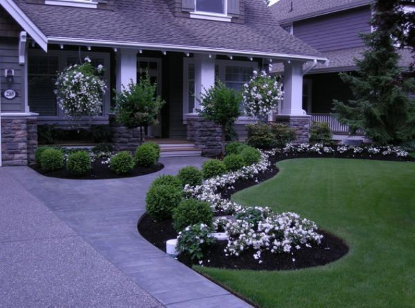 40 Front Yard Landscaping Ideas For A Good Impression... like it!