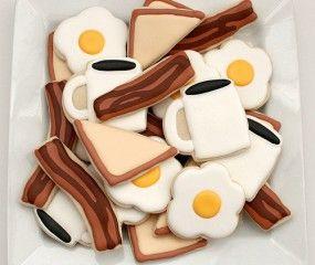 Koekjes in de vorm van bacon & eggs