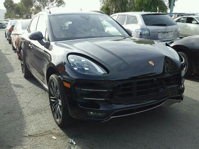 www.bidgodrive.com 2017 #porsche #macan #suv #awd #winter #porsche911 #turbo #carrera #carrera4 #c4s #germany #canada #germanengineering #nosubstitute #deutschland #race #track #speed #gt3 #gt3rs #targa4gts #targa #poland
