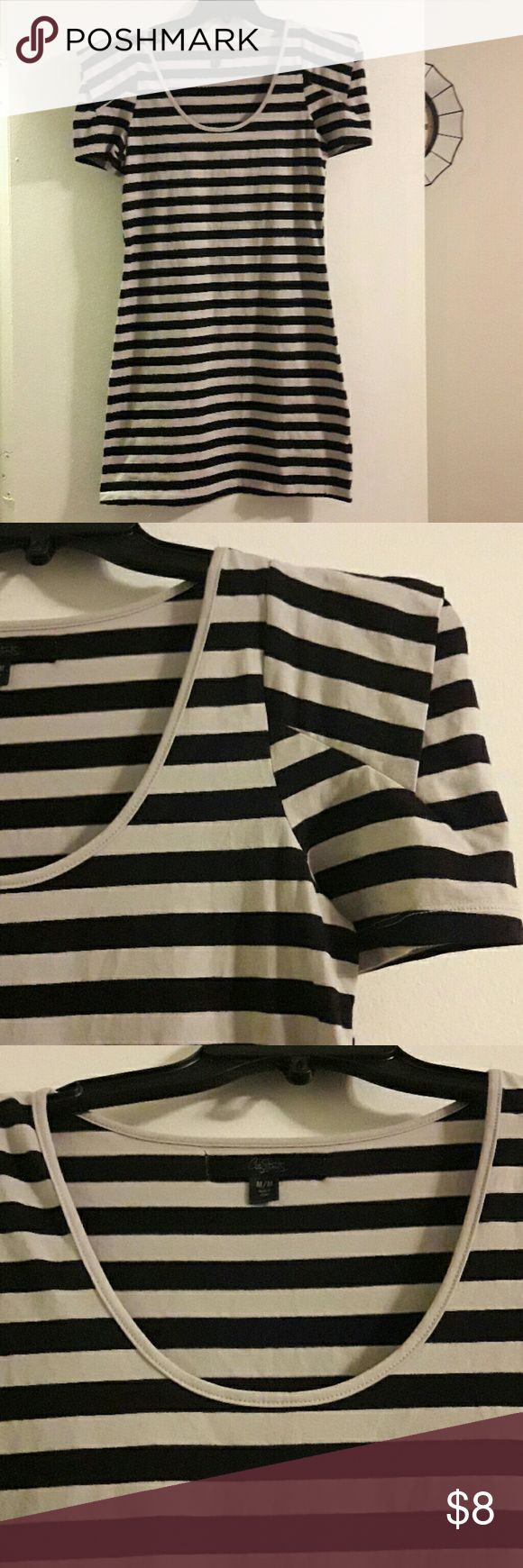 Black and Grey Striped Bodycon Dress Med NWOT City Streets brand Bodycon dress with black and Grey stripes. Short sleeves, dress is about 32 inches long from shoulder to bottom hem. Size medium, new without tag. City Streets Dresses Mini