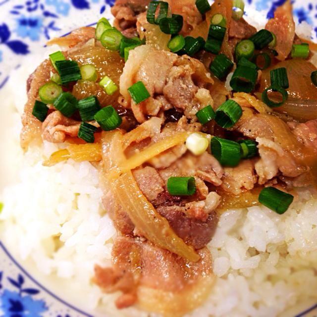 10月2日夕食メニュー ⚫︎豚丼 ⚫︎和風サラダ ⚫︎具だくさん豚汁 - 4件のもぐもぐ - 豚丼 by willpower1945
