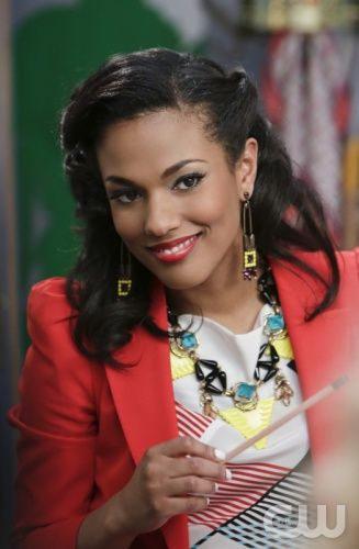 Freema Agyeman as Larissa on The Carrie Diaries. In ultimate 80's fashion. Click for more.