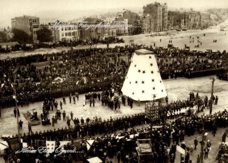 1928..TAKSİM CUMHURİYET ANITININ AÇILIŞI ·