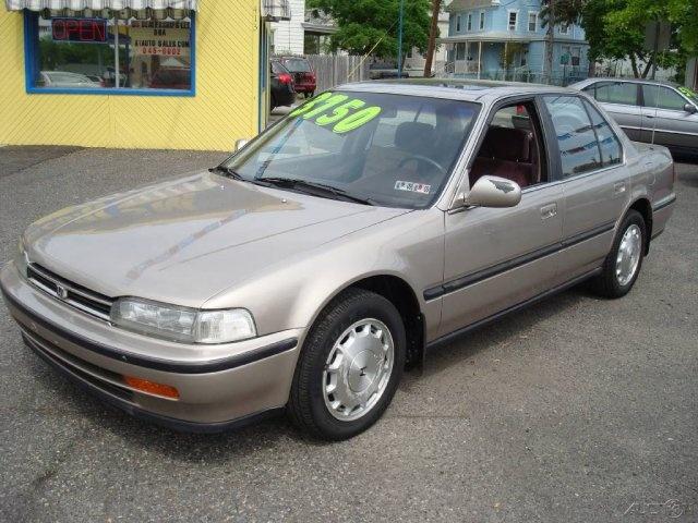 1992 Honda Accord  Price: $3,750       Compare at $3,750  VIN: 1HGCB7675NA143095  Stock #: 143095    2.20L I4 FWD Sedan  Transmission: 4-speed automatic  Color: Silver  84,096 miles