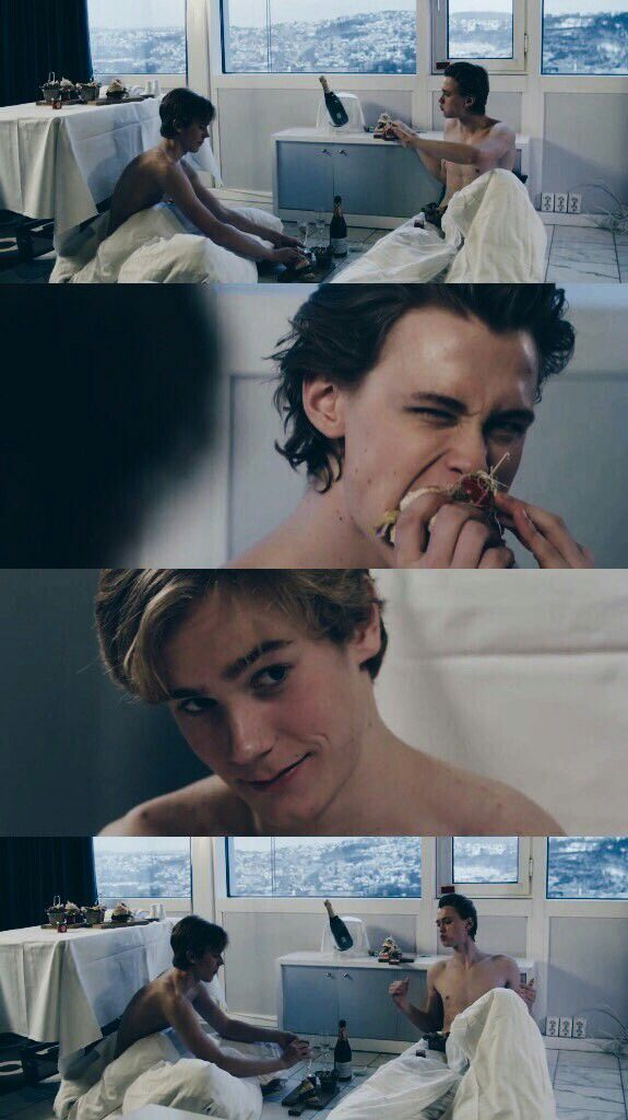Skam / Evak lockscreen. Credit to @skamlockscreens on twitter