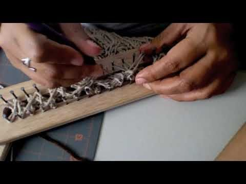 ▶ Bufanda con trenza en telar/Long Loom /Double rake Scarf with cable - YouTube