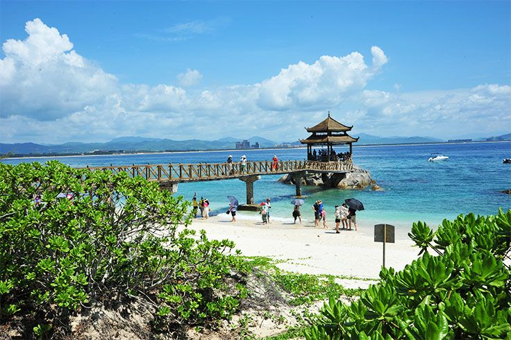 It's China National Day today! Many Chinese people would take advange of the 7-day public holiday to travel around. While #Sanya is one of the hottest destinations among Chinese tourists!  #Whererefreshingbegins #Leisure