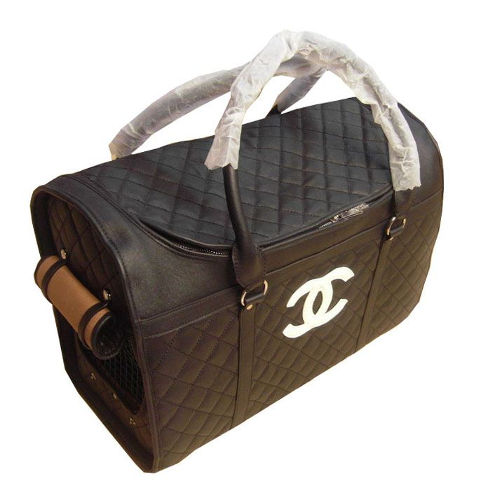 Chanel pet carrier. Want, want, want!!